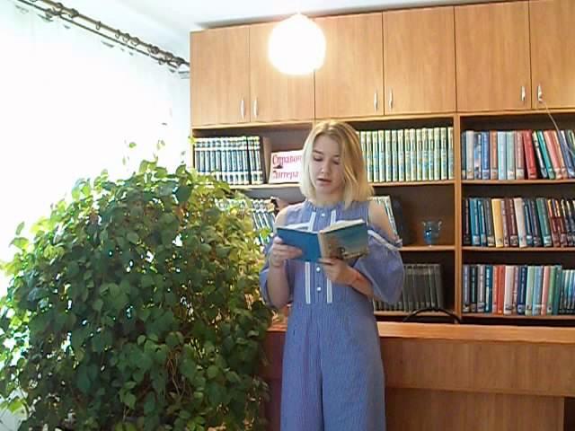 Изображение предпросмотра прочтения – ИннаИгнатова читает произведение «Внимая ужасам войны» Н.А.Некрасова