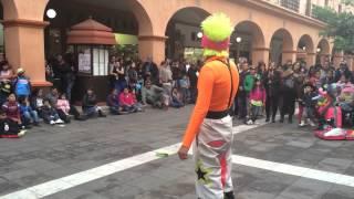 Super modelo y Payaso en Toluca bien chistoso mejor de Toluca mexico
