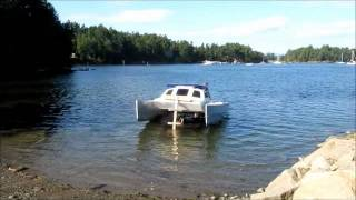 Skoota 20 power catamaran launch and retrieval.wmv