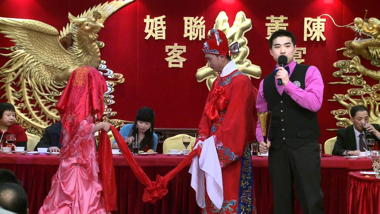 chinese wedding with traditional chinese wedding dress