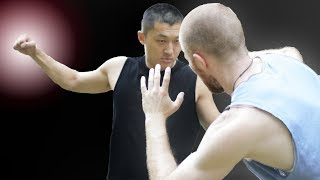 How To Fight An AGGRESSIVE Opponent (Footwork & Strikes)