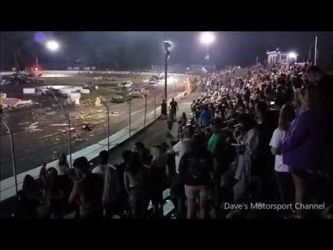 Figure 8 Camper Race (Last Man Standing) Crash-O-Rama 2016 Event 8