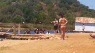 португалия. цыгане купаются в одежде(, 2015-07-26T12:11:33.000Z)