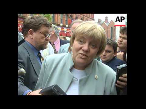 UK: BRITAIN'S NEW NORTHERN IRELAND SECRETARY MOWLAM VISITS PROVINCE