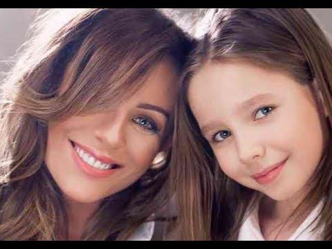 С грустной улыбкой: Показали дочь Началовой на школьной линейке. Впервые с ней не было мамы.