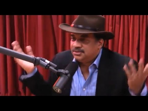 Joe Rogan and Neil Degrasse Tyson try to debunk Flat Earth . . . again - Mark Sargent ✅