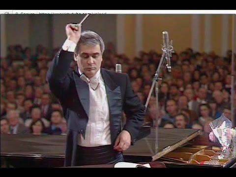 Valery Polyansky conducts Schnittke (K)ein Sommernachtstraum - video 1991