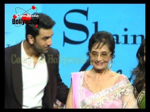 Watch Legend Actress Sadhana with Ranbir Kapoor walk the ramp for Shaina NC's Fashion Show ''Golden