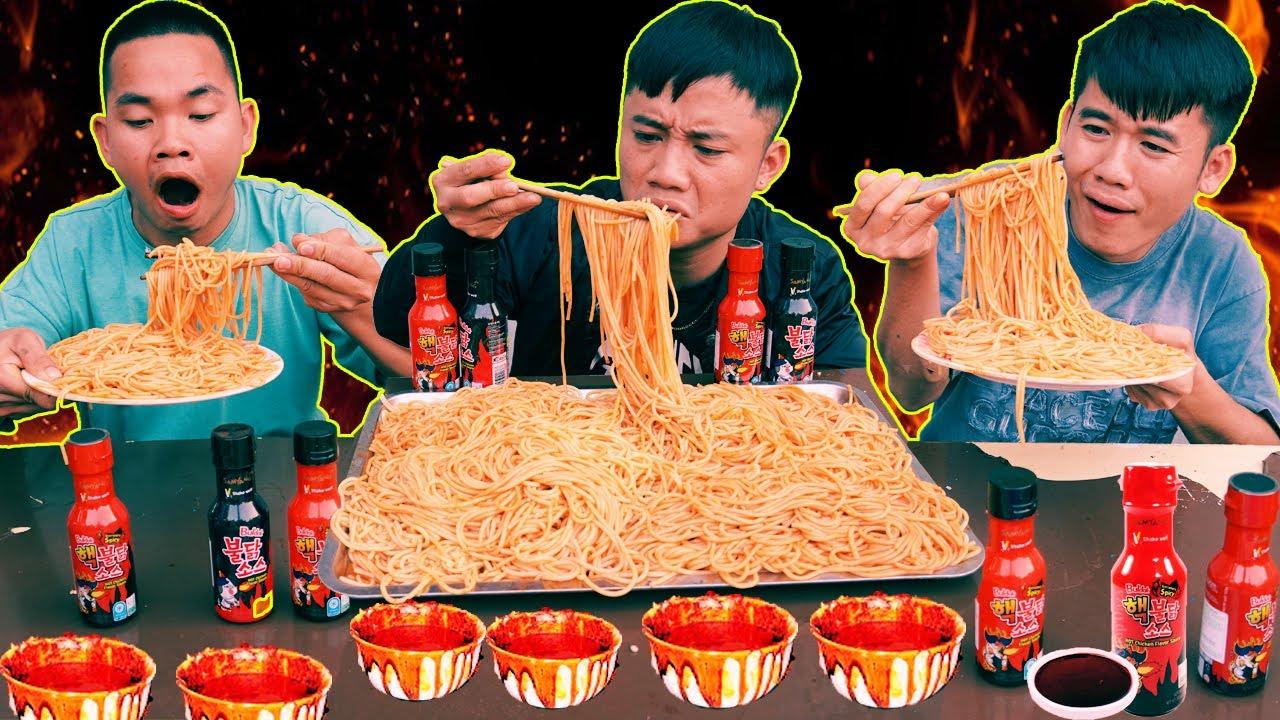 Hưng Troll   Thử Thách Người Cuối Cùng Ngừng Ăn Mỳ Ý Sốt Cay SamYang x2 Thắng Nhận 500$