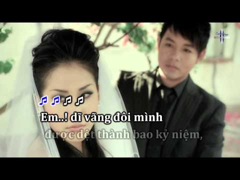Karaoke Đôi Mắt Người Xưa   Quang Lê (2 Audio Streams)