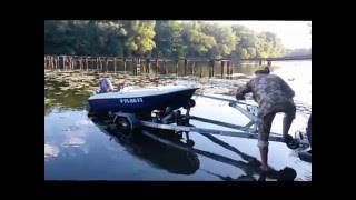 спуск на воду, покатухи и погрузка на лодочный прицеп лодки Sealark 390 Penguin(, 2016-03-19T12:43:44.000Z)