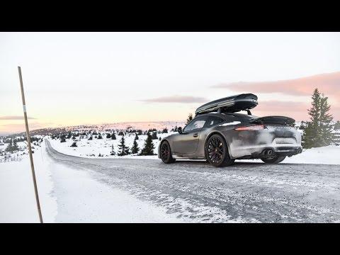 SNOW & ICE: Porsche 911 GTS In Norway