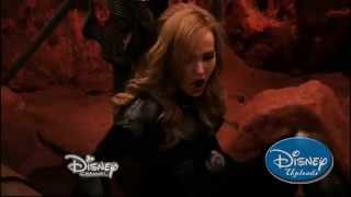 "Liv and Maddie | ""Space-Werewolf-A-Rooney"" Clip"