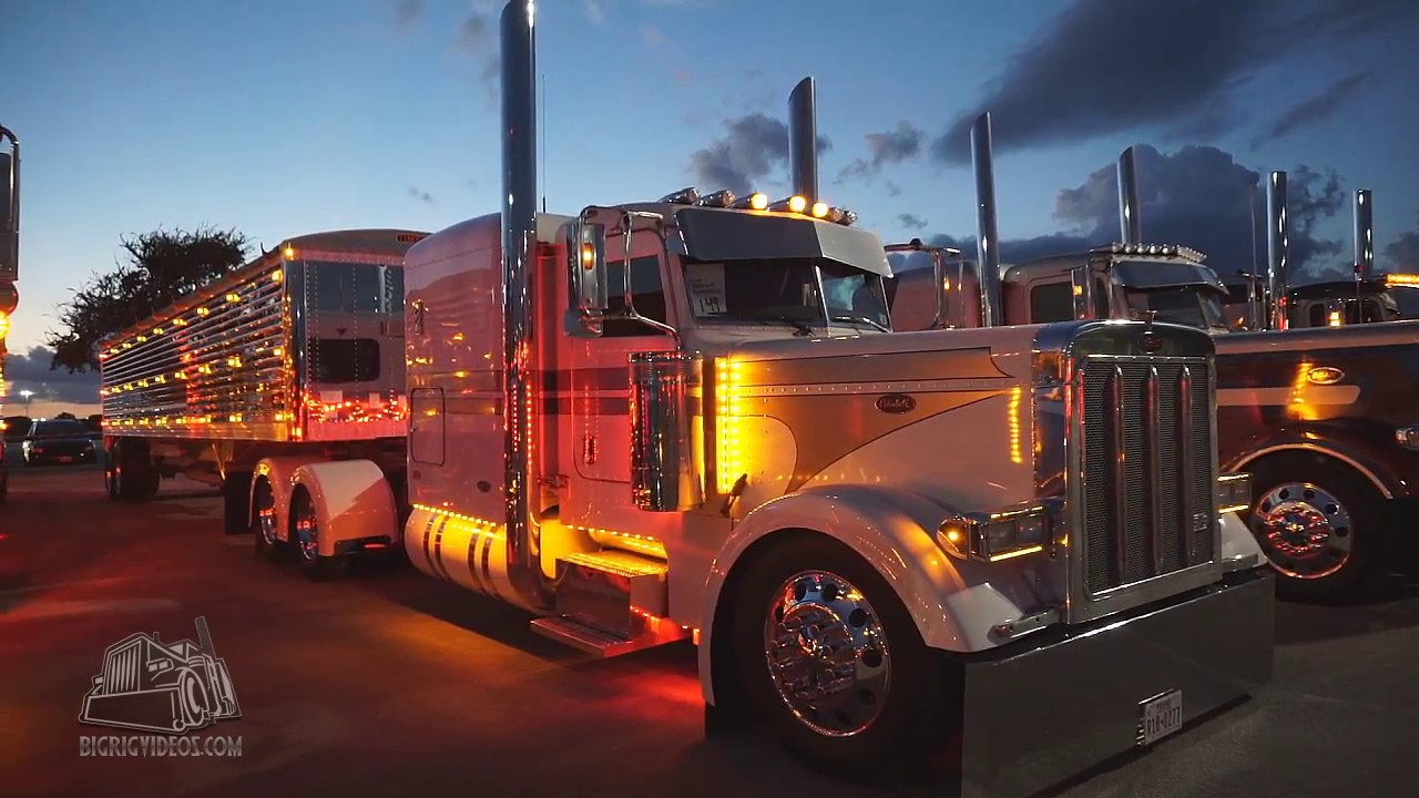 Big Rig Lights : Chicken lights chrome at the super rigs truck show youtube