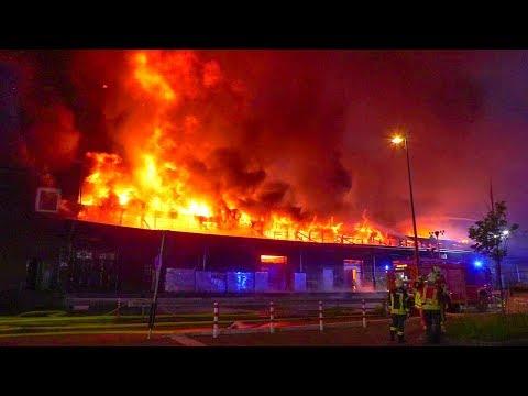 [GROSSBRAND IN GELSENKIRCHEN] - Ehemaliger Güterbahnhof im Vollbrand ~ Großeinsatz der Feuerwehr -