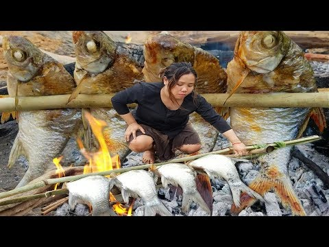 Primitive Technology - Cooking Big Cat Fish By Woman At River - Grilled Fish Eating Delicious