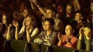 Смотреть клип Фёдор Чистяков & F4Band - Мама Приходит С Работы