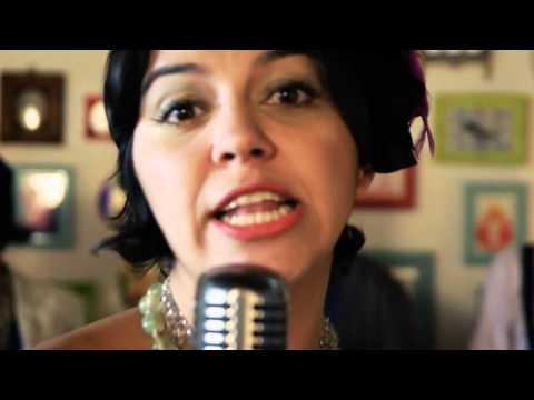 """Vídeo do dia — """"Disseram que eu voltei americanizada"""" — Cover da Banda Ordinarius"""
