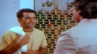 Swayamkrushi Movie || Chiranjeevi Scolding Brahmanandam Scene || Chiranjeevi , Vijayashanti