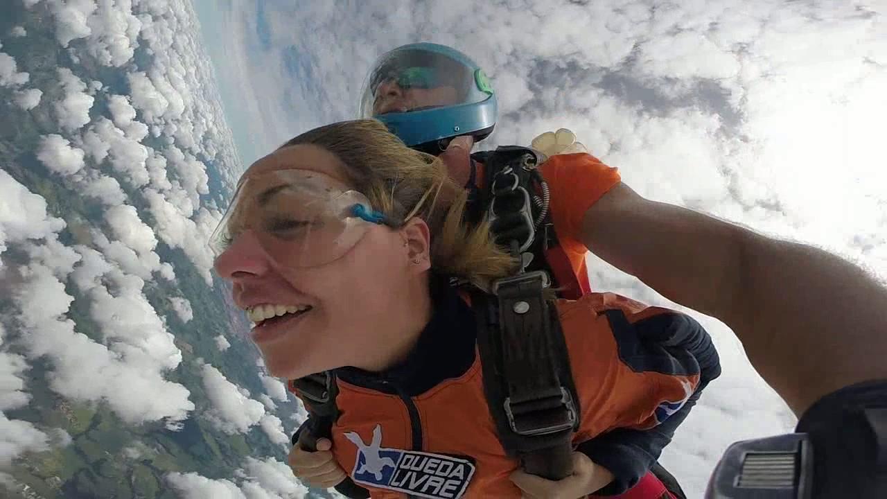 Salto de Paraquedas da Daniele na Queda Livre Paraquedismo 07 01 2017