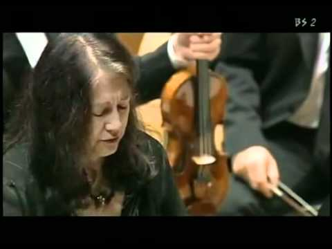 W.A. Mozart Concerto in re min. K.V. 466 (completo) Martha Argerich in Giappone video -
