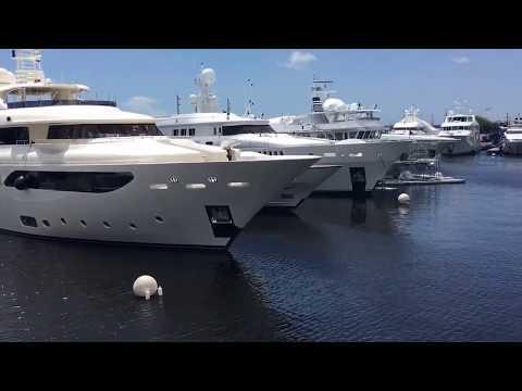 Getting ready to dock Heavens Gate a University Boat Yard Ft Lauderdale  www.lovethatyacht