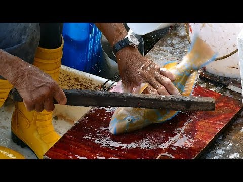 Amazing Cutting Live Fish at seafood market Hong Kong