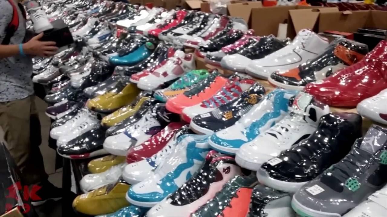 ''Sneaker Con'' Schaumburg Illinois 2016 ( @indianakickz219 )