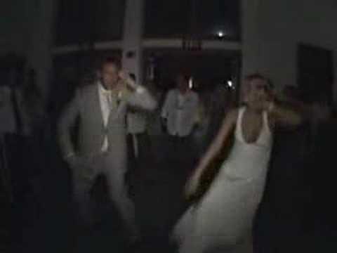 Beispiel: Hochzeitstanz mal anders, Video: DJ Marcel Rudolf.