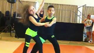 После этого видео ты захочешь взять уроки танцев!Детская сальса