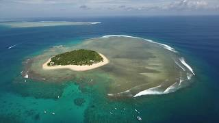 Travel Segment / Cloudbreak Drone Over Tavarua, Fiji - Freesurf Magazine