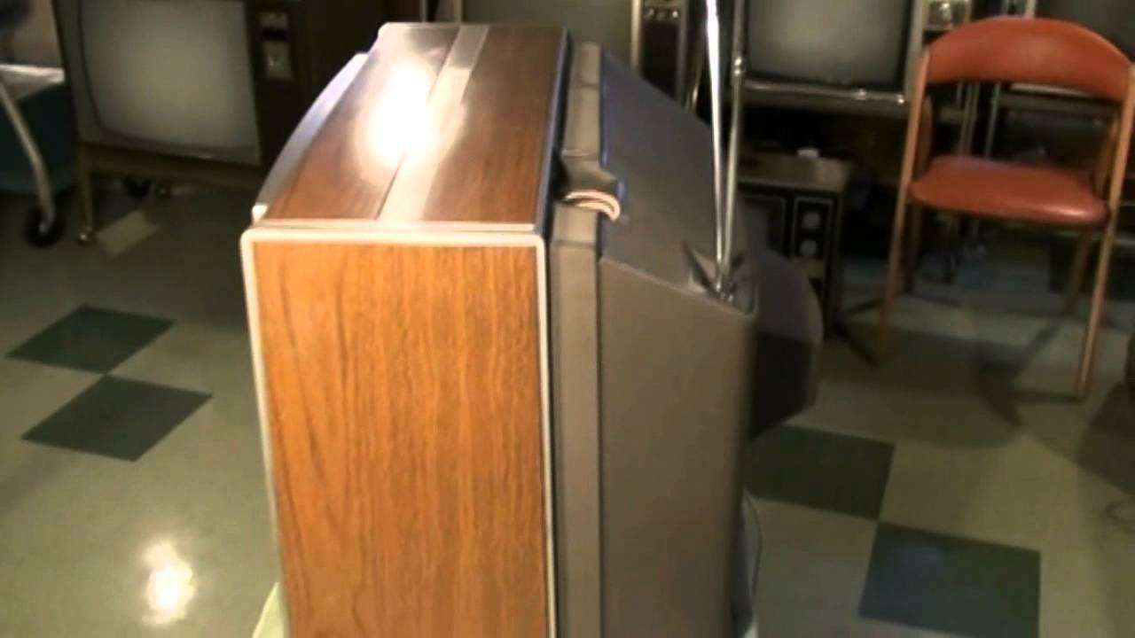 Watch A 1970 Rca Ctc-36 Portable Color Television