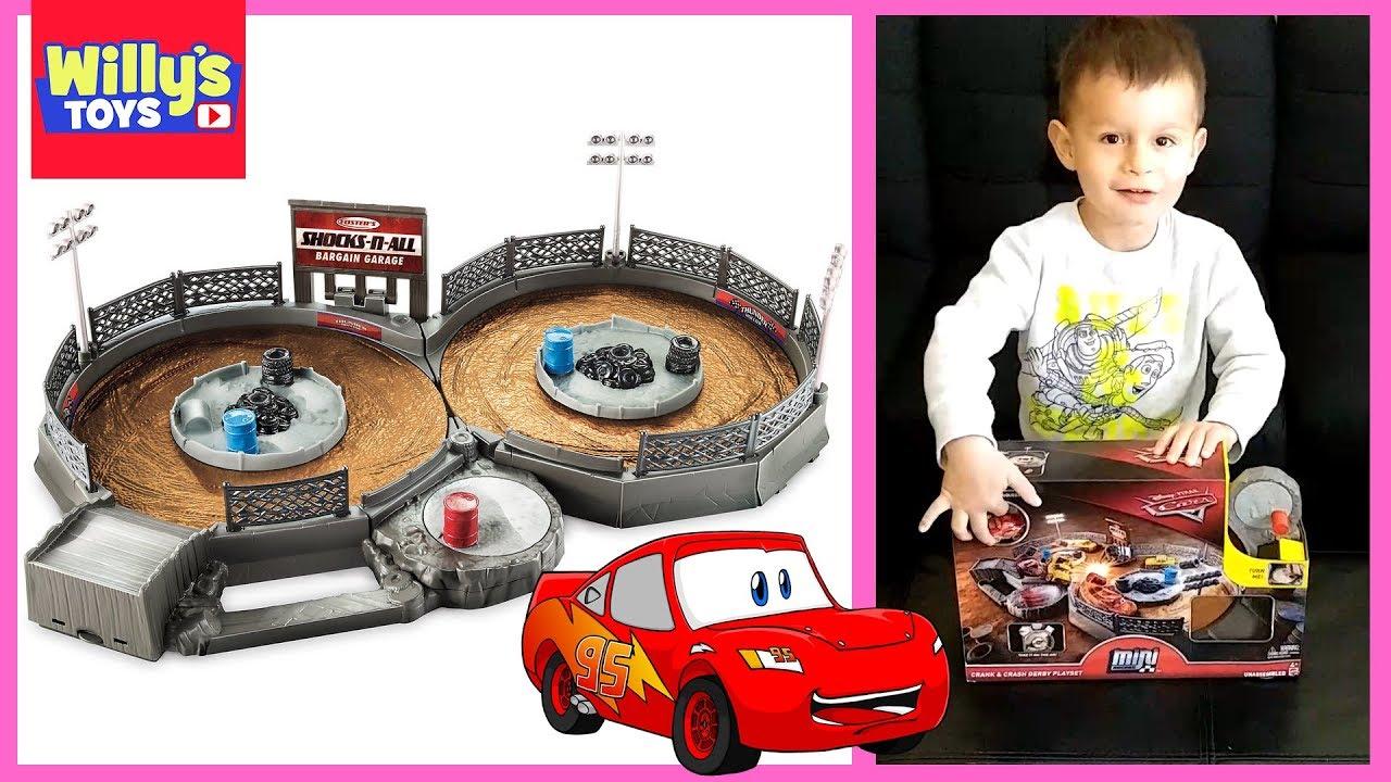 Disney Cars Cars Mini Racers Crank /& Crash Derby Playset Carry Case