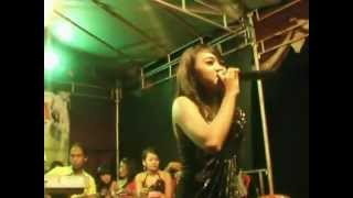 Video Warung Pojok Dhistanada.OSVS RAWEUY.obotzhecameramanngezoom download MP3, 3GP, MP4, WEBM, AVI, FLV Agustus 2017