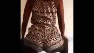 Sexy Kenyan Ass Twerk