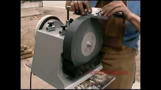 изготовление приспособления для заточка ножей рубанка(сделано из нержавеющей стали, времени заняло около 2 часов. Для станка elmos bg-200., 2015-06-01T17:12:15.000Z)
