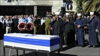 إسرائيل: فرق دولية تشارك في إطفاء الحرائق