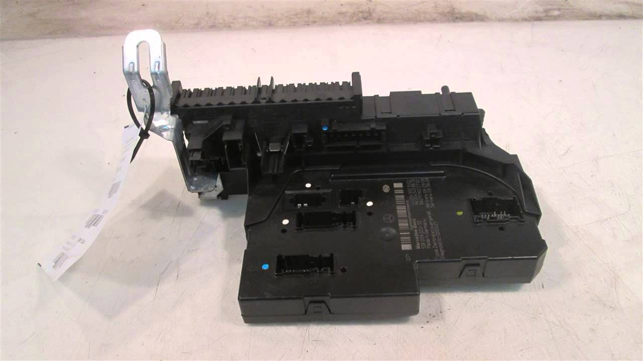 maxresdefault 2010 mercedes c300 fuse panel 2049001002 mbiparts com used oem 2010 mercedes c300 fuse box at creativeand.co
