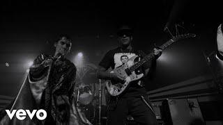 Смотреть клип The Struts Ft. Tom Morello - Dancing In The Dark