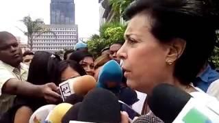Madre de Leopoldo Lopez espera que su hijo sea puesto hoy en libertad