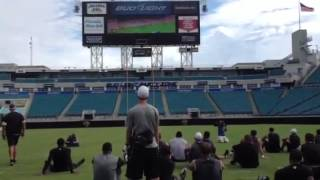 Jaguars watch Sanya Richards Ross win gold