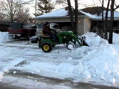 John Deere X728 W Compact Tractor Loader Moving Snow Youtube