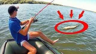 Озлобленные рыбы заклевали! РЫБАЛКА на ЩУКУ с ЛОДКИ