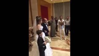 فيديو.. طارق الشناوي يحتفل بزفافه علي الإعلامية سوزان حرفي