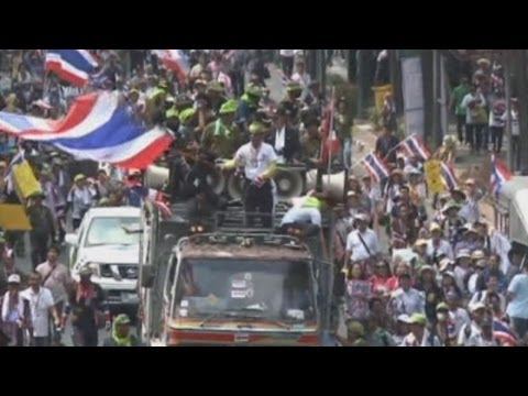 Thai protesters stage mass rally to press for reform
