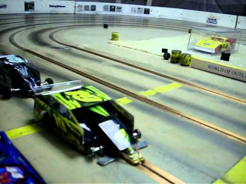 Hammer N Hank S 1 24th Scale Dirt Oval Slot Cars Youtube