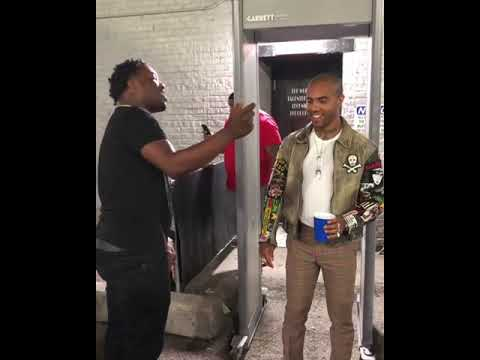 VIC MENSA GETTING ROASTED N LOOKIN LIKE A BITCH FOR A STRAIGHT MINUTE