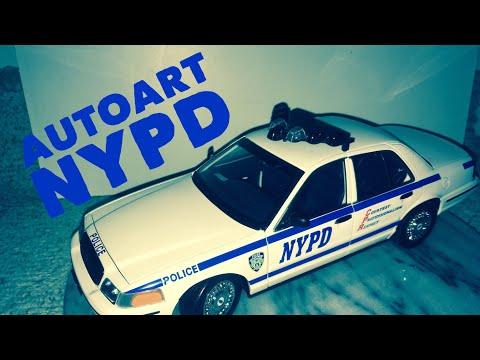 Ford Crown Victoria Police NYPD 1:18 Auto Art