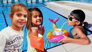 Fındık ailesi havuza gidiyor. Eğlenceli video