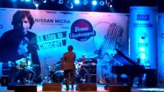 KK - Fever Unplugged - 16-06-2012 - Aankhon Mein Teri.3gp